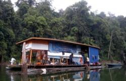 Kenyir Boathouse