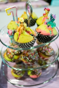 ponies cupcakes