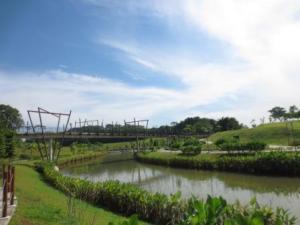 Kelong Bridge invokes nostalgia for grandparents and is a novelty for children.