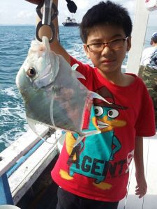 Beginners can try their hand at offshore fishing trips that have a Guide on board. Such trips are especially suitable for children. Photo source: Deepseafishing.com